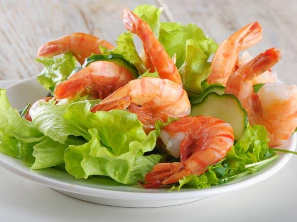 ăn tôm ngăn ngừa thoái hóa điểm vàng
