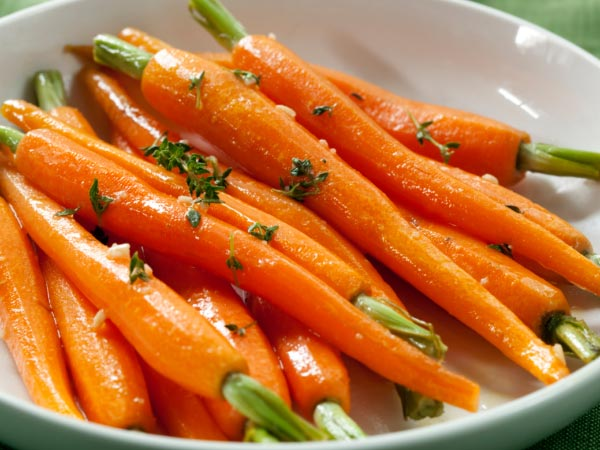 cà rốt giàu Carotenoid giúp đôi mắt sáng khỏe