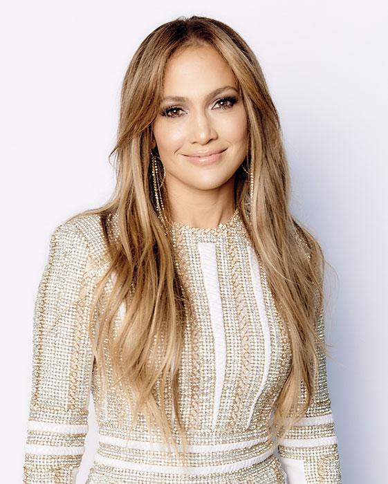 Jennifer Lopez sở hữu gương mặt hình kim cương