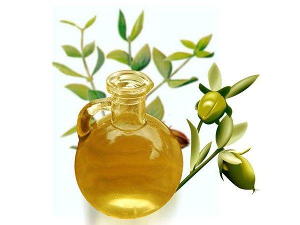 Sáp dưỡng môi từ dầu dừa và dầu oliu