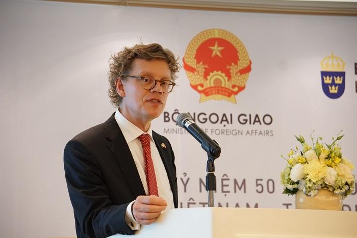 Đại sứ Thụy Điển Pereric Hogberg phát biểu tại họp báo 50 năm quan hệ ngoại giao Việt Nam-Thụy Điển