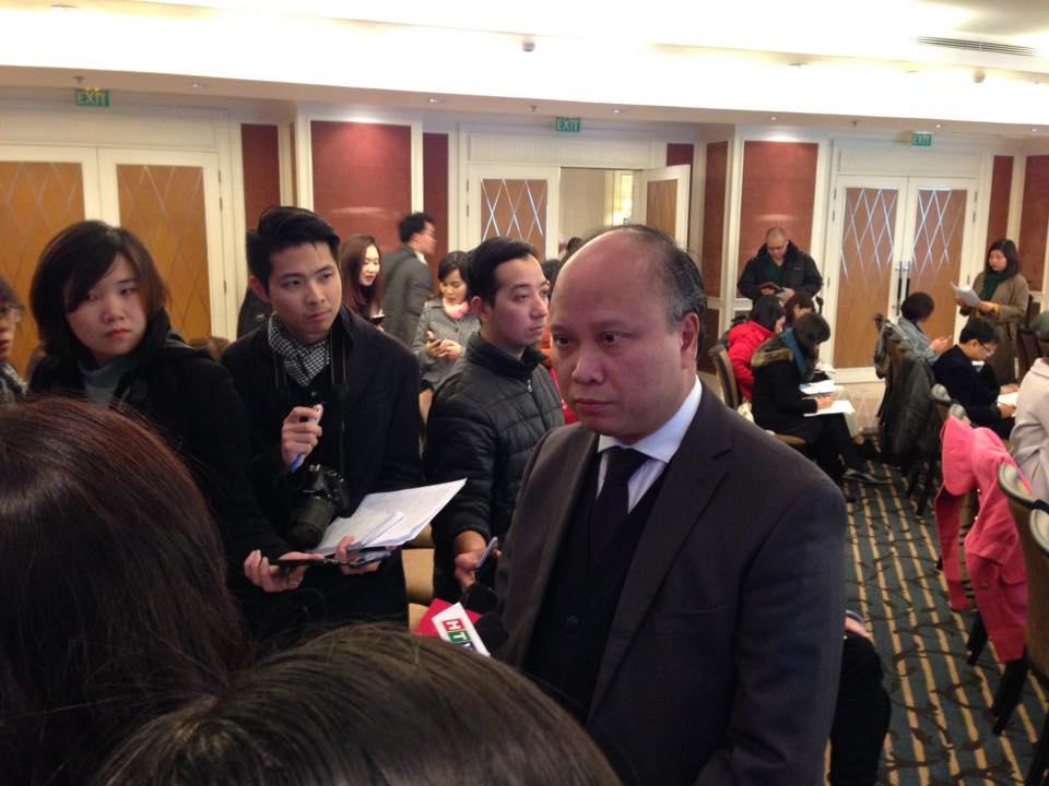 Ông Đinh Toàn Thắng, Vụ trưởng Vụ châu Âu, Bộ Ngoại giao tại họp báo kỷ niệm 50 thiết lập quan hệ ngoại giao Việt Nam-Thụy Điển
