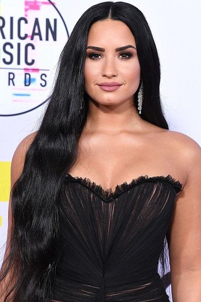 Sao thế giới nói không với rượu_Anne HathawayDemi Lovato
