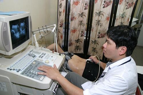 Siêu âm bàng quang giúp phát hiện sớm bệnh. Ảnh: TM