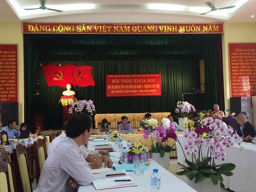 Buổi hội thảo về các giá trị khoa học của cụm di tích thờ Đại danh y Tuệ Tĩnh tại huyện Cẩm Giàng. Ảnh: An Văn Mậu