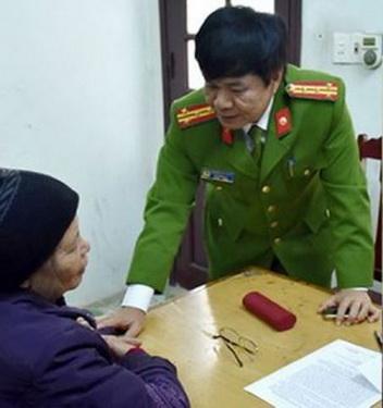 Cơ quan CSĐT Công an tỉnh Thanh Hóa lấy lời khai của bà Phạm Thị Xuân.