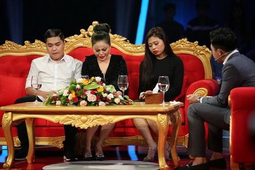Nghệ sĩ Lê Giang (thứ 2 từ trái qua) kể chuyện quá khứ chồng cũ bạo hành trong chương trình Sau ánh hào quang gần đây làm dư luận dậy sóng.