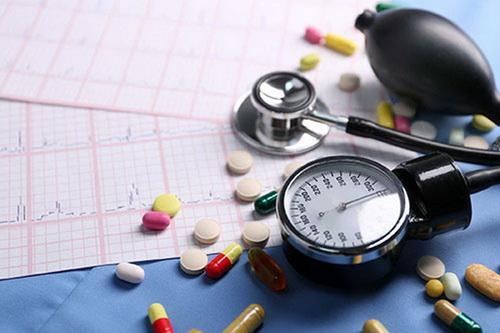 Tăng huyết áp là biểu hiện có thể gặp khi dùng thuốc glucocorticoid, thuốc giảm cân… hay thuốc Đông y.