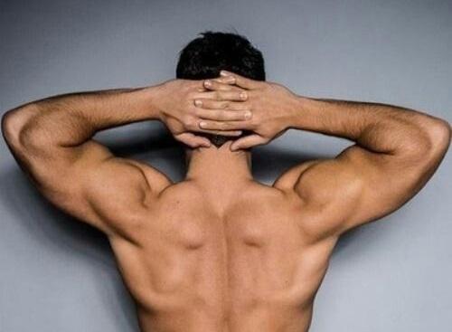 Dinh dưỡng phù hợp, lối sống cân bằng giúp quý ông luôn khỏe.