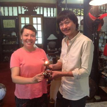 Nhà văn Y Ban và nghệ nhân Nguyễn Ngọc Hùng.