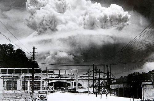 Nagasaki sau thảm họa bom nguyên tử 1945.