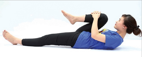 Tập luyện yoga đúng cách, đều đặn và phù hợp hỗ trợ điều trị bệnh thoái hóa khớp