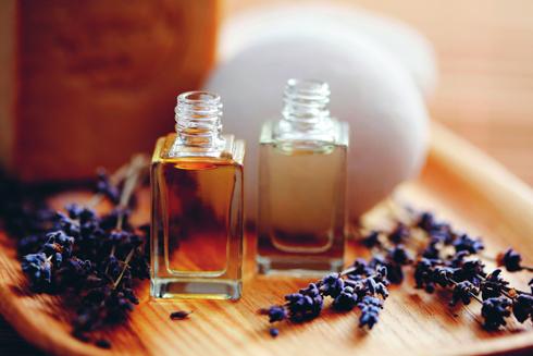 Tinh dầu oải hương giúp thư giãn.