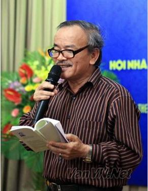 Nhà thơ Nguyễn Hoàng Sơn.