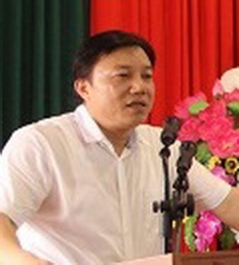 TS. Nguyễn Huy Ngọc.