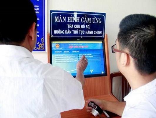 Thực hiện dịch vụ công trực tuyến giúp doanh nghiệp, người dân tiết kiệm được cả thời gian và kinh tế.