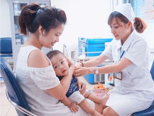 Tiêm chủng giúp bảo vệ trẻ em trước nhiều bệnh nguy hiểm.