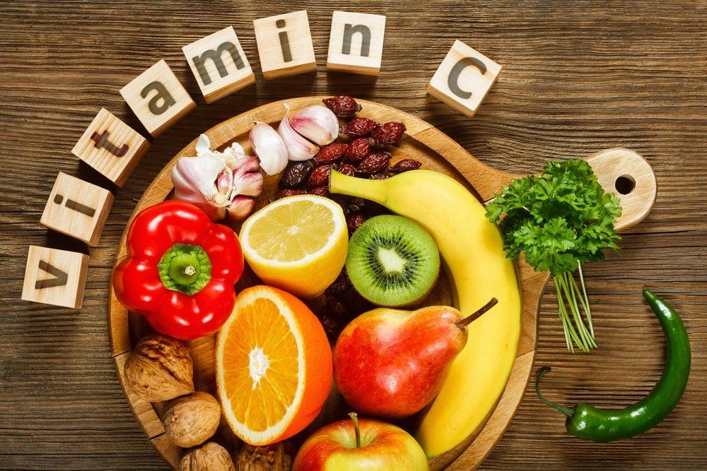 Rau củ quả là nguồn cung cấp vitamin C và caroten cho cơ thể.