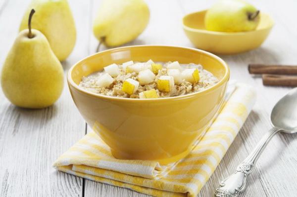 Cháo bạch lê rất tốt cho người bị sốt nóng, kích ứng vật vã, khát nước, chán ăn.