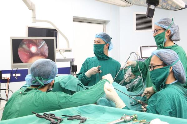 Ứng dụng dao mổ siêu âm trong điều trị bệnh lý sản khoa tại Bệnh viện Sản Nhi tỉnh Phú Thọ.