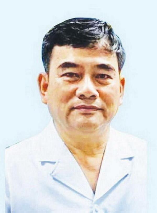 Người tư vấn: Đại tá - TS.BS. Nguyễn Huy Thọ (ảnh), nguyên Chủ nhiệm Khoa Phẫu thuật hàm mặt và Tạo hình - Bệnh viện TW Quân đội 108, Uỷ viên Hội đồng Khoa học Sở Y tế Hà Nội.