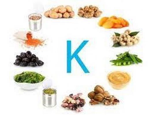 Người bệnh suy thận mạn cần hạn chế các loại thực phẩm giàu kali và phốt pho.