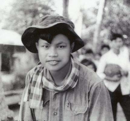 Phóng viên Phạm Quang Nghị trên chiến trường miền Nam năm 1973 (ảnh TL).