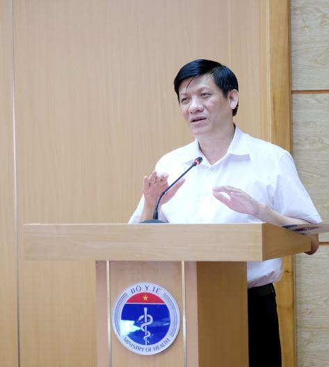 GS.TS. Nguyễn Thanh Long - Quyền Bộ trưởng Bộ Y tế phát biểu tại cuộc họp