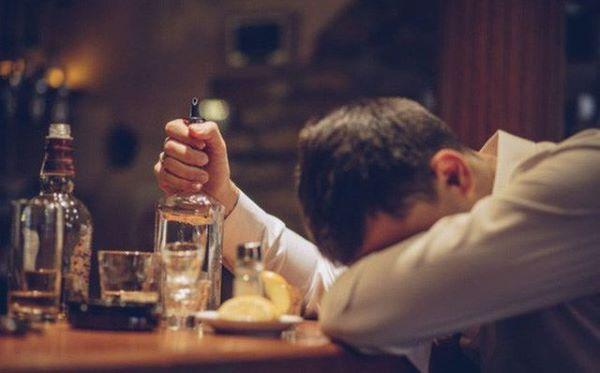 điện thoại thông minh giúp cảnh báo say rượu