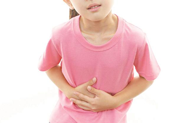 Diễn biến lâm sàng viêm ruột thừa ở trẻ em xảy ra xấu và nhanh, sớm có triệu chứng viêm màng bụng