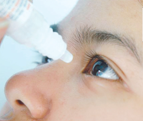 Nguy hại khi dùng thuốc nhỏ mắt không đúng