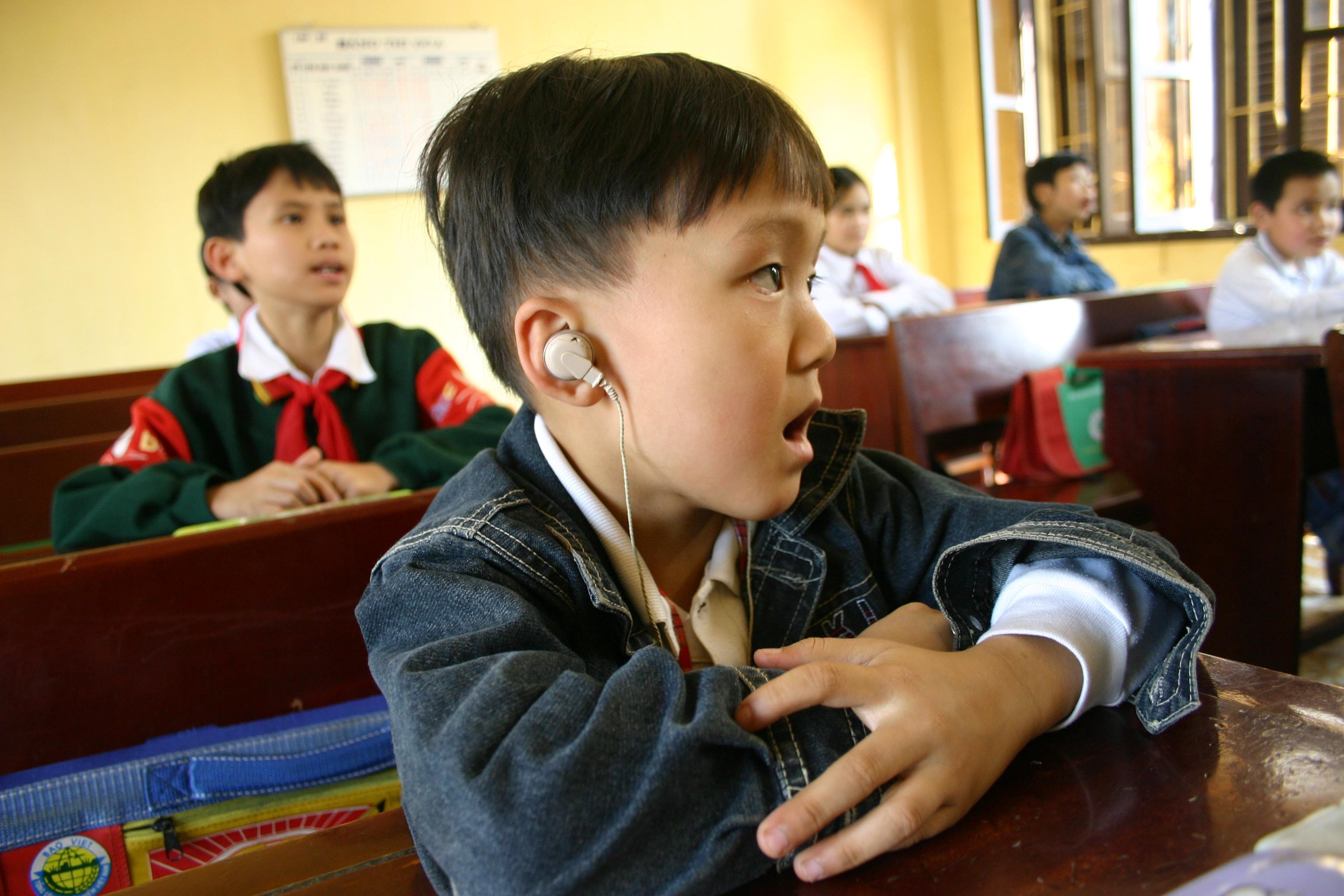 Phục hồi chức năng khiếm thính ở trẻ