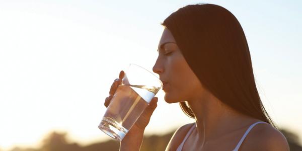 Mùa nóng nói chuyện về... nước
