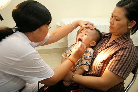 Chớ coi thường viêm họng cấp tính và triệu chứng viêm họng cấp