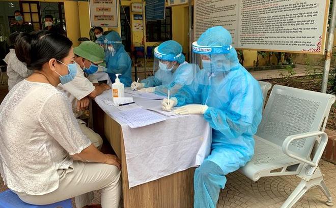 Bệnh nhân 714 từng test nhanh âm tính, Giám đốc Sở Y tế Hà Nội nói gì?