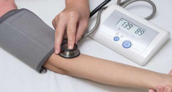 sử dụng máy đo huyết áp kỹ thuật số