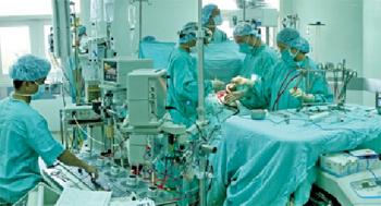 Cứu sống bệnh nhân Lào bị nhồi máu cơ tim nặng 1