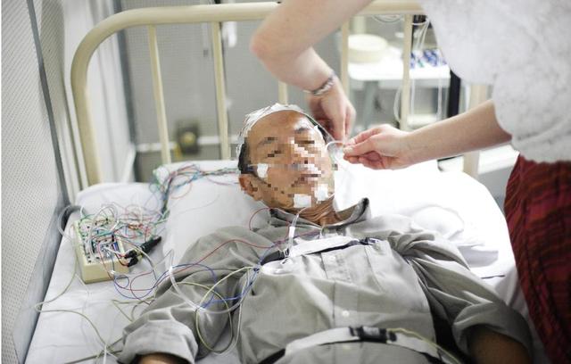 Hội chứng ngừng thở khi ngủ và những biến chứng nguy hiểm - Ảnh 5.