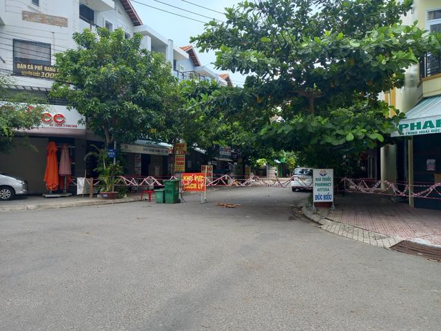 Nâng cao ý thức phòng dịch trong từng khu phố ở Khánh Hòa - Ảnh 4.