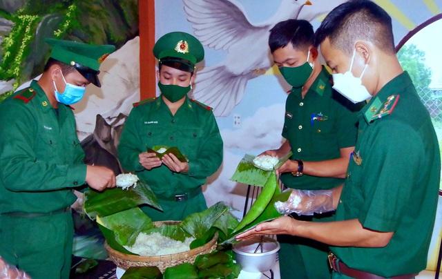 """""""Tủ mì yêu thương"""" ấm lòng đồng bào vùng biên giới ở Thừa Thiên Huế - Ảnh 3."""