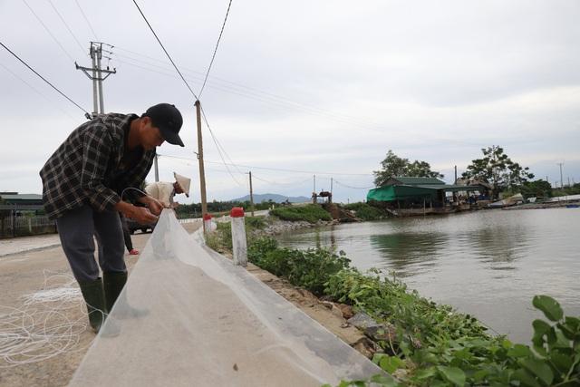 Hà Tĩnh chuẩn bị nhiều phương án chống bão Kompasu - Ảnh 3.