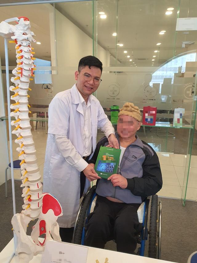 Sau tổn thương tủy sống - Giúp người bệnh kiểm soát cơn đau, hòa nhập cộng đồng - Ảnh 10.
