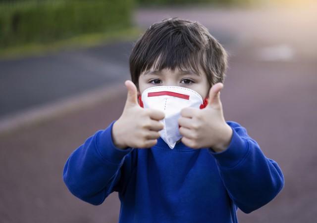 Miễn dịch bẩm sinh ở trẻ em giúp khả năng đề kháng cao trước COVID-19 so với người lớn. Trẻ em ít nhập viện hơn so với người lớn.