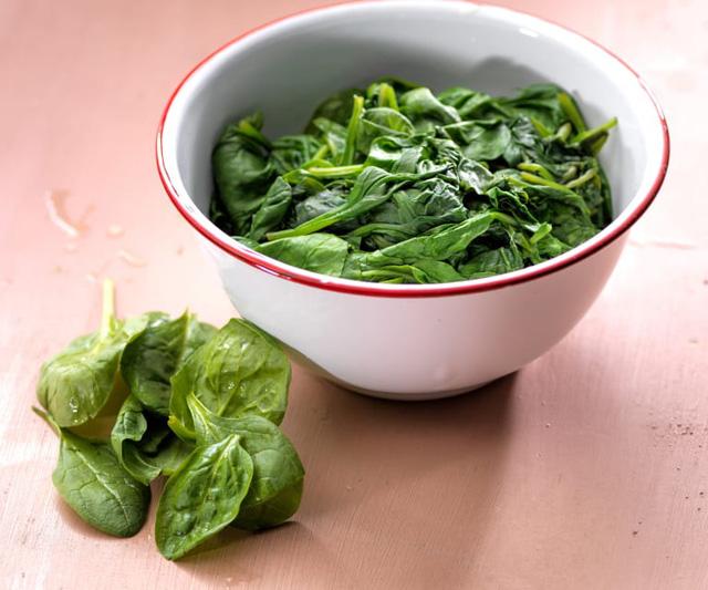 Cải bó xôi nên chế biến trong thời gian ngắn, tránh làm mất hàm lượng dinh dưỡng trong thành phần
