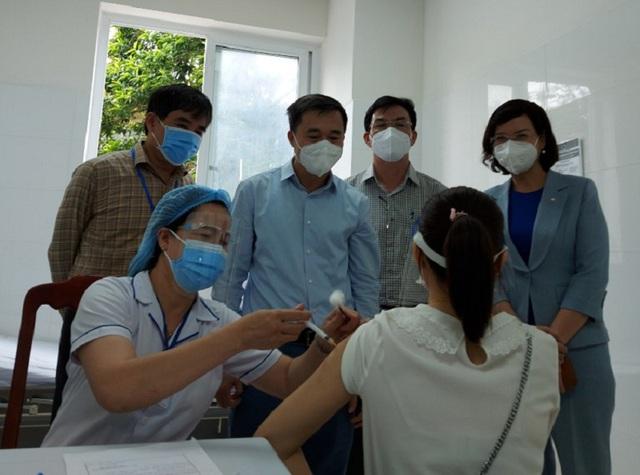GS.TS Trần Văn Thuấn, Thứ trưởng Bộ Y tế ấn tượng với công tác chống dịch của Bình Phước - Ảnh 2.