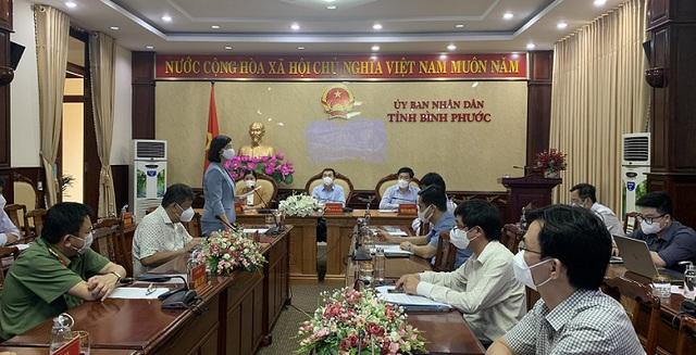GS.TS Trần Văn Thuấn, Thứ trưởng Bộ Y tế ấn tượng với công tác chống dịch của Bình Phước - Ảnh 1.