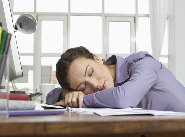 Giấc ngủ ngắn hiệu quả cho một ngày dài - Ảnh 1.
