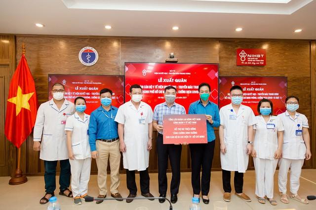 Đoàn cán bộ y tế Viện Huyết học – Truyền máu Trung ương lên đường chi viện TP.HCM