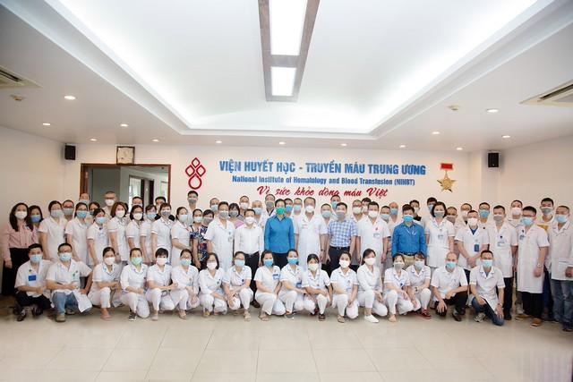 Đoàn cán bộ Viện Huyết học – Truyền máu Trung ương lên đường chi viện TP.HCM