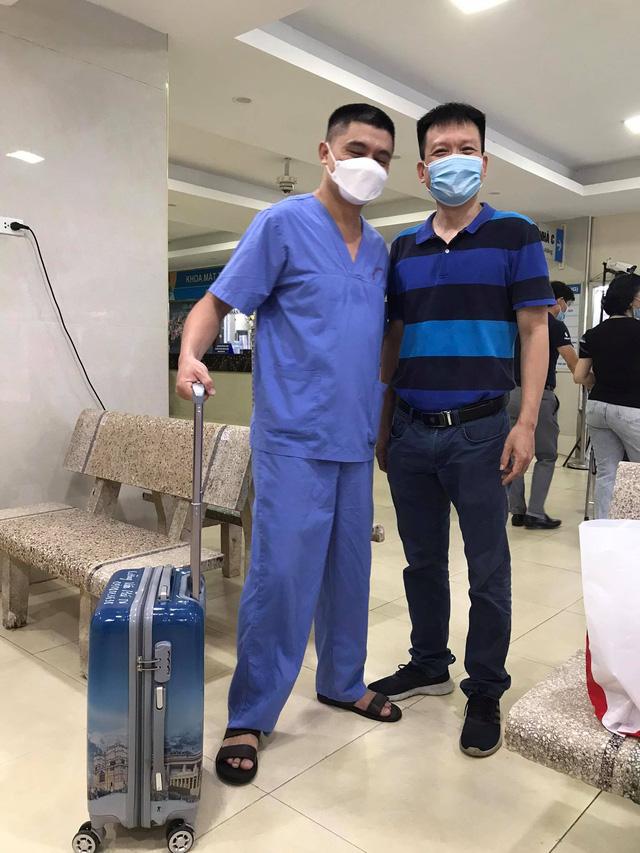 51 cán bộ y tế BV Mắt Trung ương lên đường chi viện cho TP HỒ CHÍ MINH - Ảnh 14.